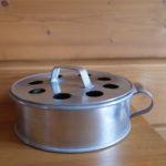 ピカール金属磨きはブリキにも使えるのか?!フィンランド製蚊取り線香で実験してみました