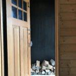 【薪ストーブ】薪棚から玄関ポーチへ薪を少しだけ移動