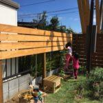 【DIY】ウッドフェンス作り③~とりあえず支柱を挿す&ケンカ勃発~