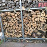 【薪ストーブ】薪棚に金網を取り付けて積みやすくしました|落下防止も