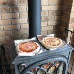 薪ストーブ天板で薄いピザを作るのは難しい