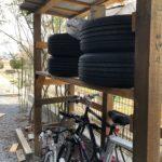タイヤラック兼自転車置き場が完成しました
