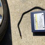 車の空気圧は標準装備のエアコンプレッサーを使えばスタンドに行く必要なし